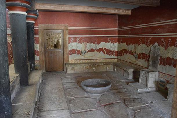 Throne room of the Minoan Palace of Knossos (CC BY 4.0)