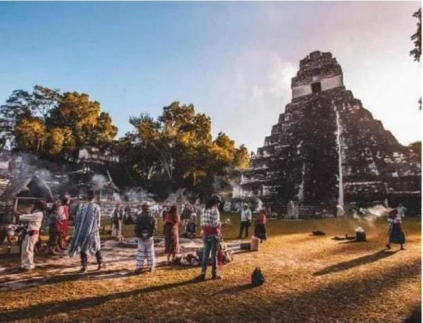Tikal and other ruins are very important for the descendants of the Maya - who make up roughly half of the population of Guatemala. (El Puerto Informa)