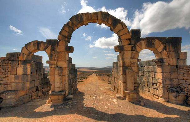 Tingis Gate, Volubilis, Morocco. (CC BY SA 4.0)