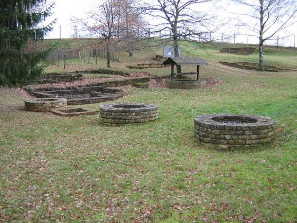 Titelberg: foundations in the residential area. (Public Domain)