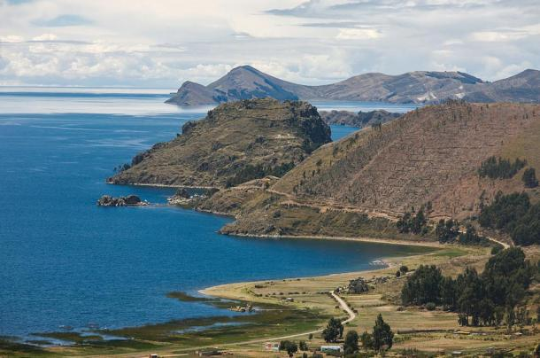 The Fuente Magna Bowl was found near the world-renowned Titicaca Lake in Bolivia.