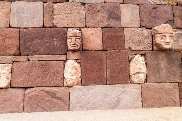 Stone portraits Tiwanaku, Bolivia. (Matyas Rehak /Adobe Stock)