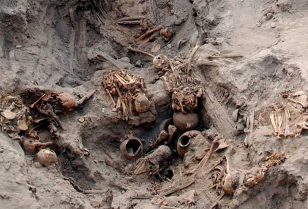 Tumba descubierto en Pachacamac por arqueólogos belgas en 2012