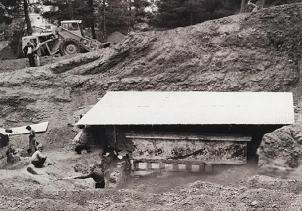 Tomb II being unearthed in 1977. (Image: © David Grant)