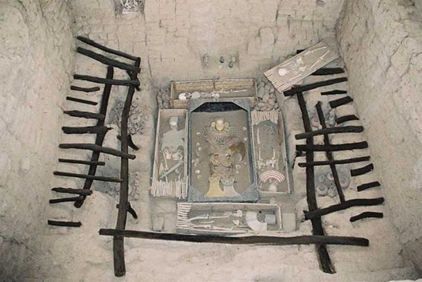 Tomb of the Lord of Sipan, circa 300AD.