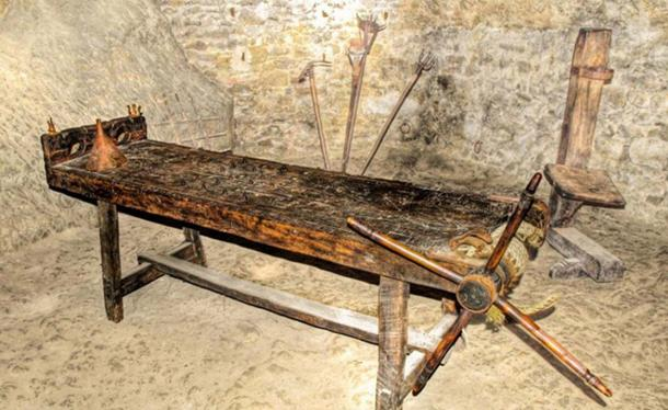 Torture rack in the fortress of San Leo, Italy. (Anguskirk/CC BY NC ND 2.0)