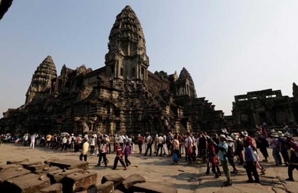 Tourists at Angkor Wat in 2017. Mak Remissa/AAP