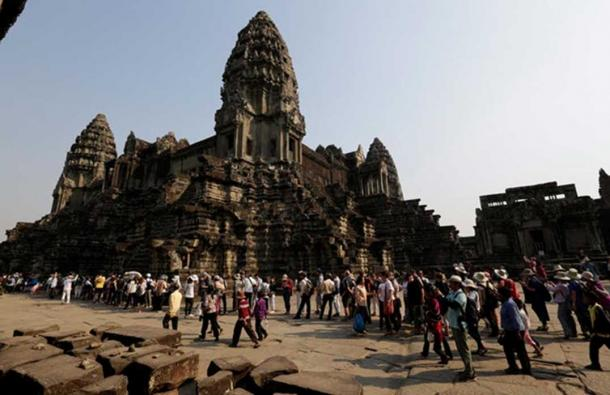 Tourists at Angkor Wat in 2017. Mak Remissa/AAP
