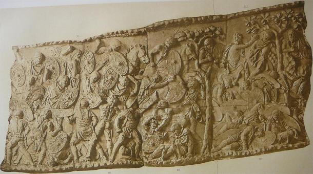 Relief on Trajan's Column showing a major battle against the Dacians. (Gun Powder Ma / Public Domain)