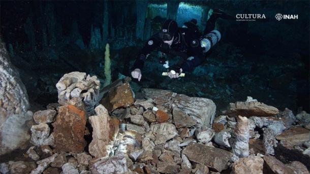 Tulum, Quintana Roo. El subsuelo laberíntico de la península de Yucatán sigue siendo fuente de descubrimientos científicos. (Imagen: Sam Meacham, CINDAQ. A.C. SAS-INAH / IINAH)