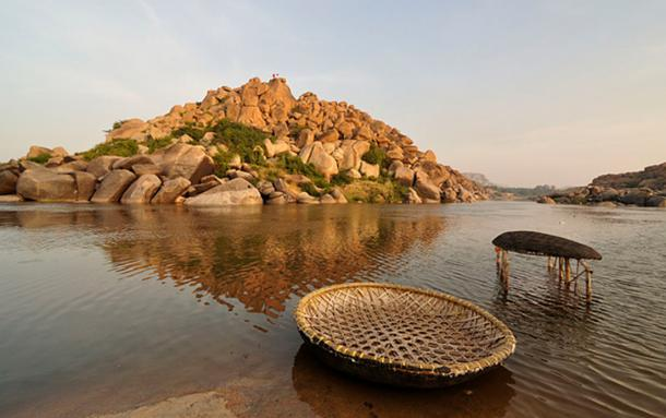 Tungabhadra River, Hampi (Vijayanagara). (Dey.sandip/CC BY SA 3.0)