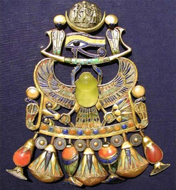 Tutankhamun's Brooch Holds Evidence of Ancient Comet Striking Earth