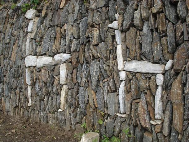 Two white stone llamas Choquequirao