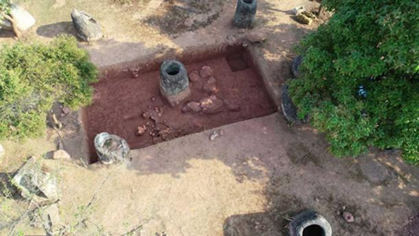 UAV view of the excavations of the burial jars at Site 2. (Australian National University / Fair Use)