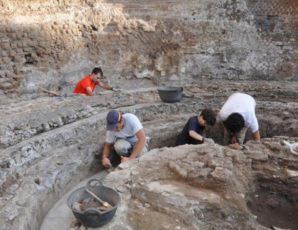 The UPO team during excavation work in the 'stibadium.'