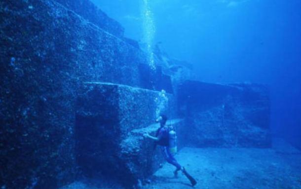 Underwater structures at Yonaguni, Japan