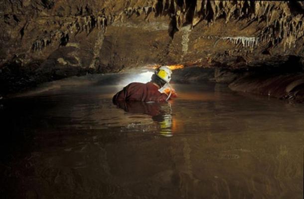 Styx Creek in the Styx branch of Baradla Cave (Public Domain)