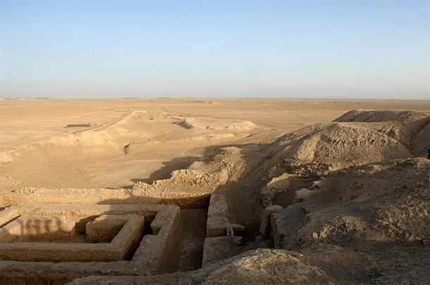 Uruk Archaeological site at Warka, where the 5,000-year old, signed Sumerian tablet was unearthed. (MOD / OGL)