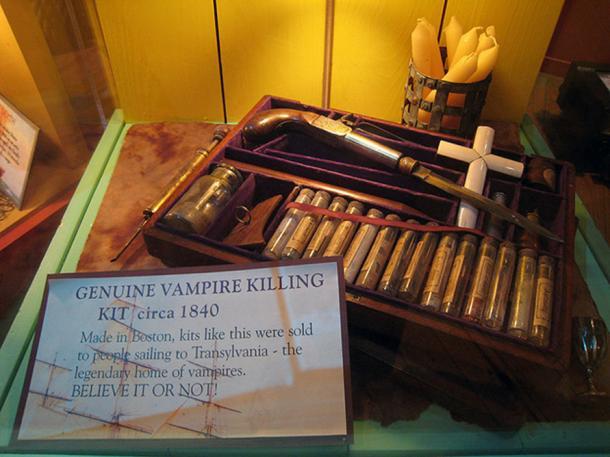 Vampire Killing Kit circa 1840.