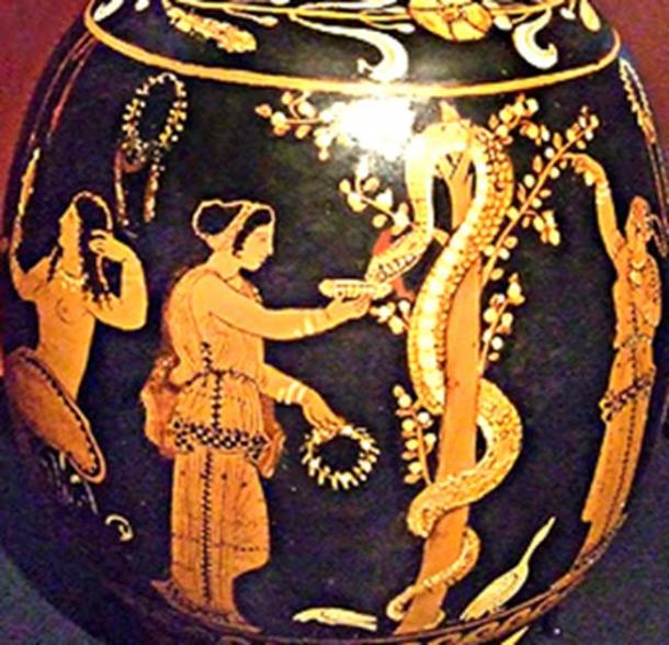 Vase from ca. 340 BC showing the Garden of the Hesperides. (Author provided)