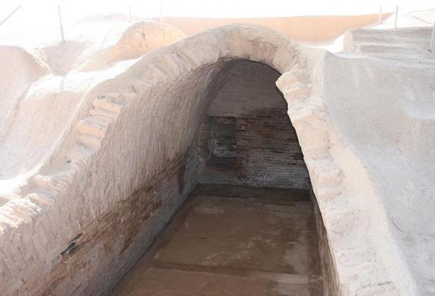 Vaulted royal tomb of Haft Teppah (Haft Tepe).