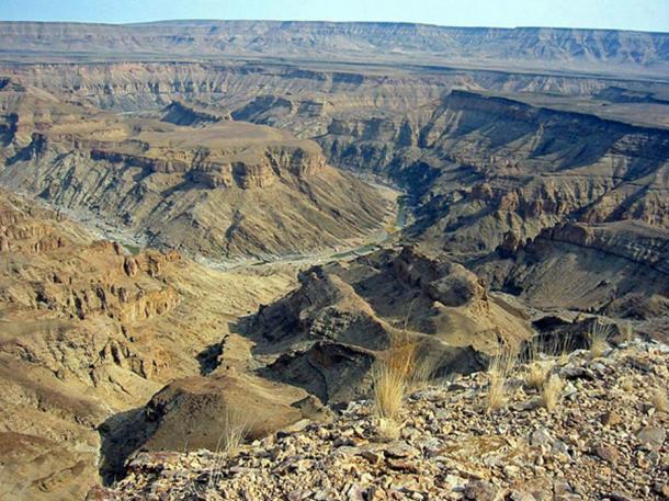 View across the Fish River Canyon towards Huns Mountains (Schoch, T / CC BY SA 3.0)