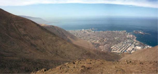 View of Iquique from Cerro Esmeralda, Chile. (Museo Regional de Iquique)