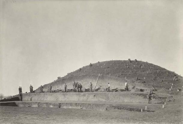 View of the Wright Mound from south showing men working on the 50-foot profile. Photograph taken 5 February 1938. Credit: William S. Webb Museum of Anthropology at the University of Kentucky