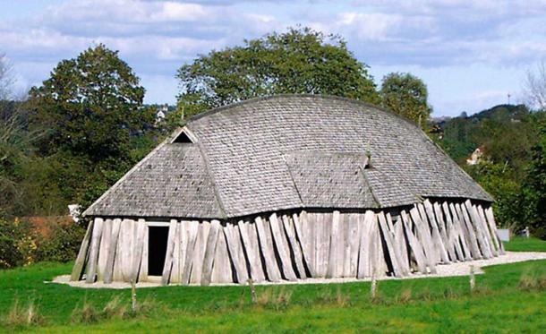 Reconstruction of a Viking house from the ring castle Fyrkat near Hobro, Denmark.