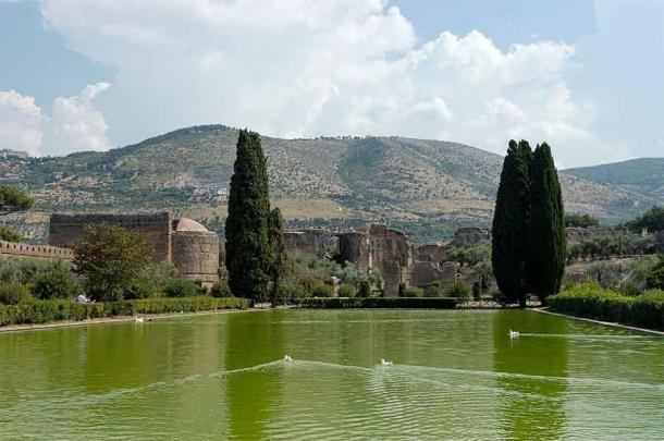 This view from Villa Adriana is likely one that Queen Zenobia saw every day in her final days as an exalted prisoner of Rome. (Jastrow / Public domain)
