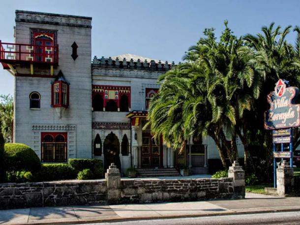Villa Zorayda, St. Augustine, Florida. (Dan Lundberg/CC BY SA 2.0) The cat hair rug is held in this museum's collection.