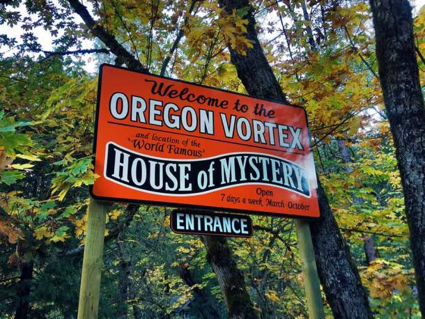 """""""The Oregon Vortex"""" is a roadside attraction that opened to tourists in 1930 on Sardine Creek in Gold Hill, Oregon, in the United States. Features like """"gravity hill optical illusions,"""" are presented as paranormal where they are clearly perceptional games. (James Wellington from Cottage Grove, United States / CC BY 2.0)"""