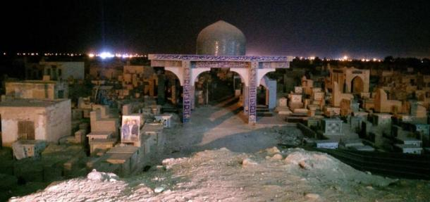 Wadi Al-Salam cemetery at night