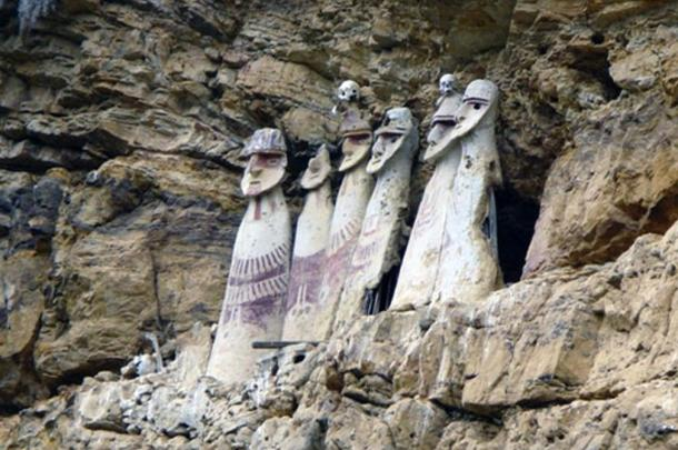 The Sentinel Sarcophagi of the Warriors of the Clouds
