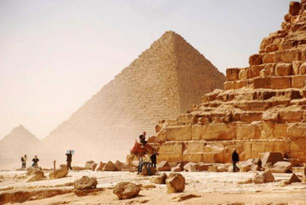 Was an unknown cement used in the construction of the Great Pyramid? (primavera108 / Adobe)