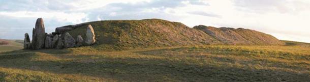 West Kennet Long Barrow (Image © Steve Marshall)