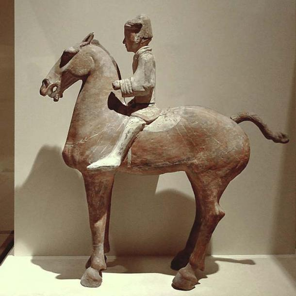Western Han Dynasty painted figure of a cavalryman. (Editor at Large/CC BY SA 2.5)
