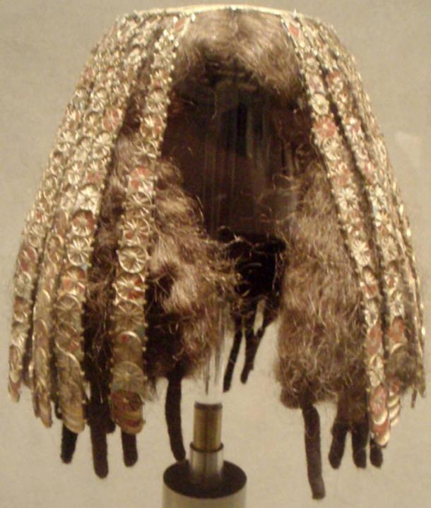 Wig cover, an approximate recreation (from original pieces) from the tomb of three minor wives of Thutmose III at Wady Gabbanat el-Qurud, circa 1479-1425 BC. Made of gold, gesso, carnelian, glass and jasper.