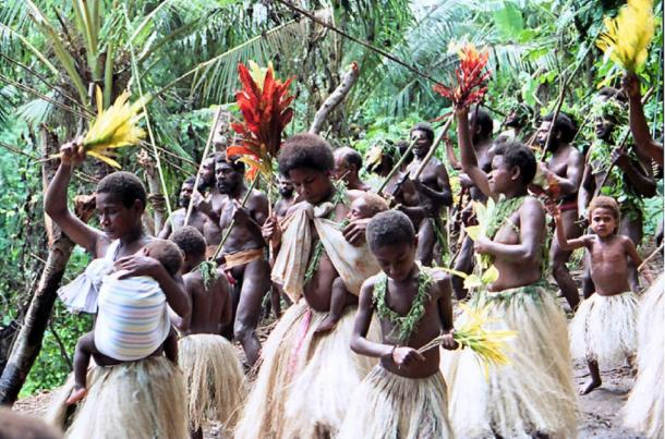Women and children dancing and singing at a land diving ceremony on the Pentecost Island, Vanuatu. (Paul Stein / CC BY-SA 2.0)