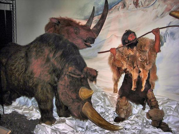 An exhibit titled 'Woolly rhinoceros hunt' in the Walk with Beasts exhibition - Horniman Museum, London.