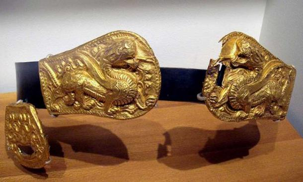 Xianbei belt buckle from the 3rd-4th century. (Public Domain)