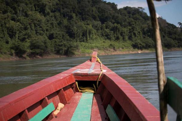 Yaxchilan est l'un des sites mayas les plus reculés, à la frontière entre le Mexique et le Guatemala. À ce jour, le seul accès au site se fait par bateau le long de la rivière Usumacinta. Il n'y a pas de routes menant à Yaxchilan. (Photo : ©Marco M. Vigato)