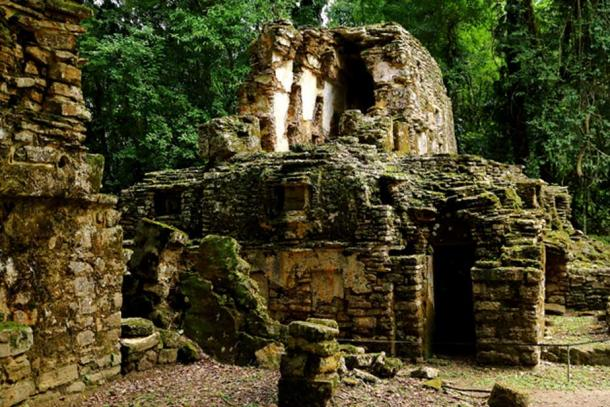 Yaxchilan ruins deep in the forests.(Photo: ©Marco M. Vigato)