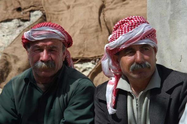 Yazidi men (Bestoun94 / CC BY-SA 3.0)