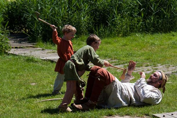 Young Vikings practiced wrestling and close combat.