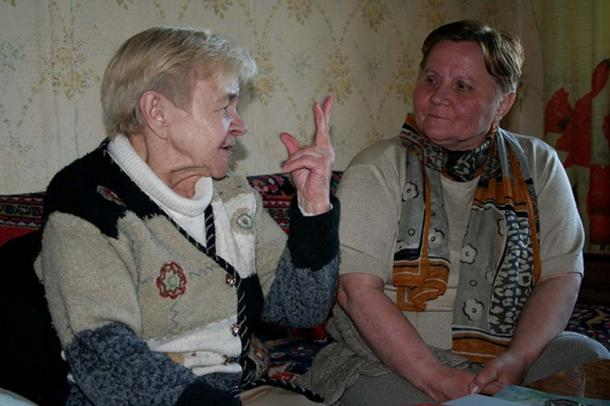 Zoya Gerasimova, left, one of the last speakers of Ter Sámi, photo taken in 2006. (FResearchGroup / CC BY-SA 3.0)