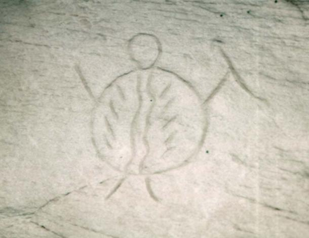 This petroglyph shows a warrior carrying a body shield. (CC BY-SA 2.5)