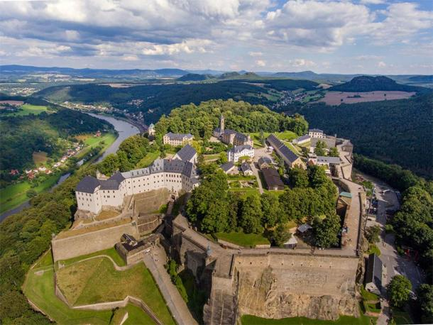 Aerial view of Königstein Fortress (Sliver / Adobe Stock)