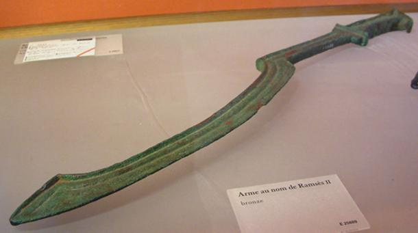 An ancient Egyptian khopesh sword. (Guillaume Blanchard/CC BY SA 3.0)