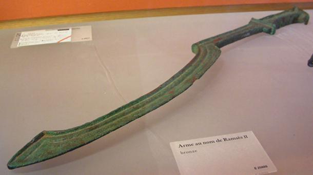 An ancient Egyptian khopesh sword. (Guillaume Blanchard/CC BY SA 3.0)